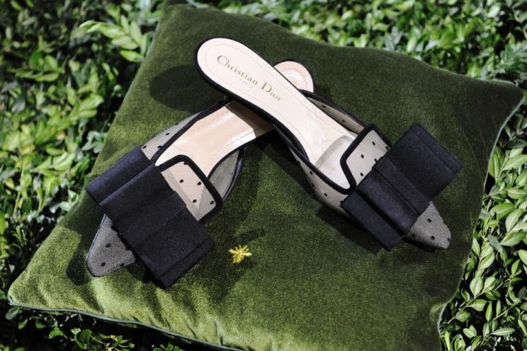 a_quoi_ressemble_les_premi__res_chaussures_couture_dior_imagin__es_par_maria_grazia_chiuri___2714-jpeg_north_982x_white