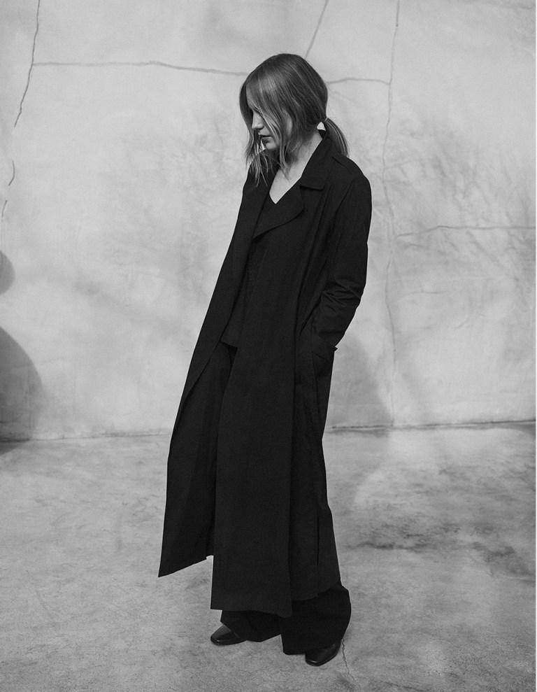 2017-W12-Site-Woman-02